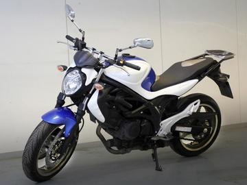 vuokrataan moottoripyörä